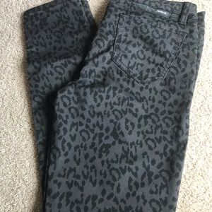 Size 29 Hurley leopard print gray skinny jeans